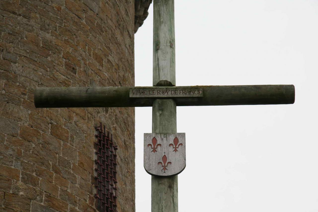 reproduction de la Croix de Gaspe à Solidor